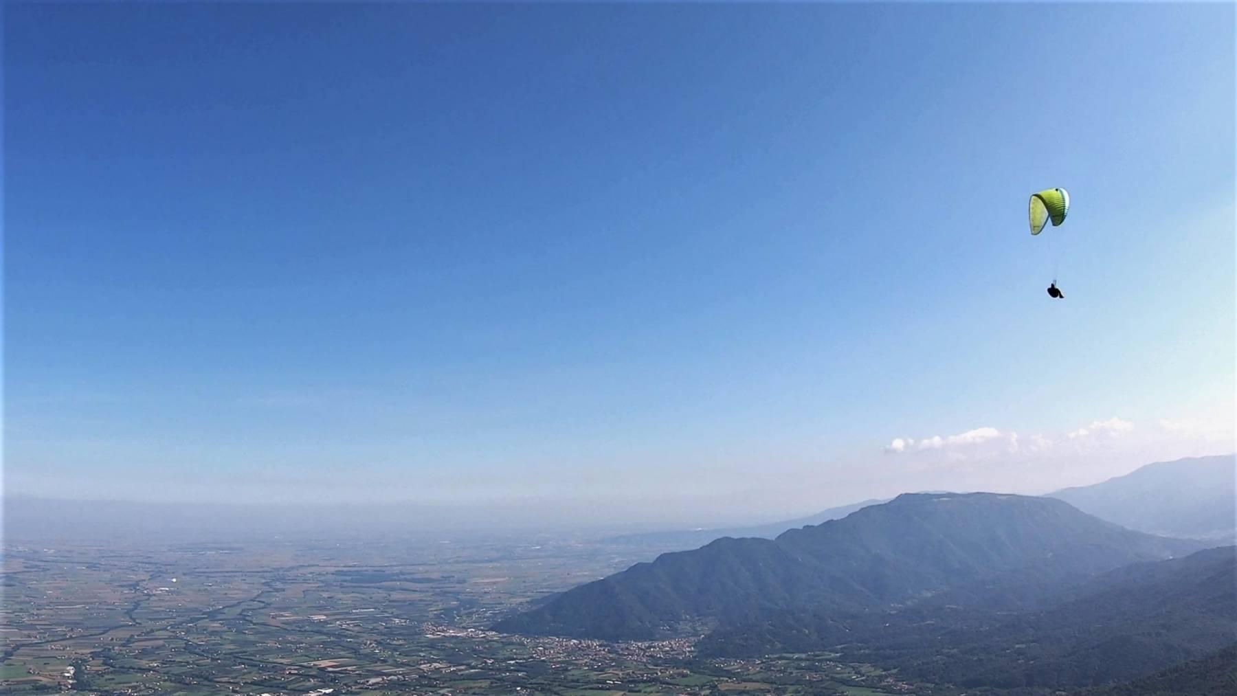Cinzia in volo in un magnfico pomeriggio settembrino